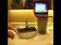 雷柏V700L网吧版机械键盘防水测试